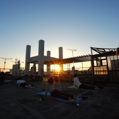 \ROOFTOP YOGA@RICO /