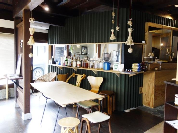 COMMA,COFFEE STAND/女性に大人気のお洒落なカフェ!