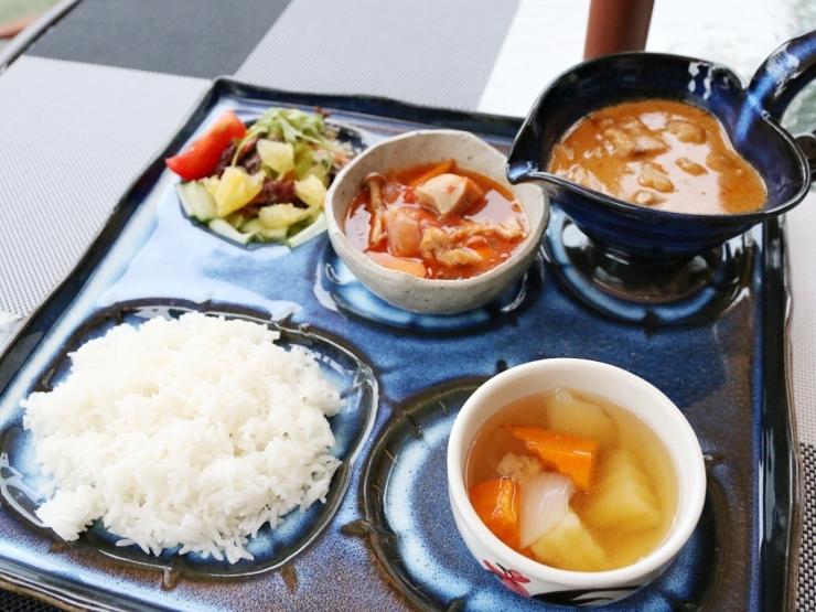 タイ料理レストラン まな~む ぴぃすぅあ
