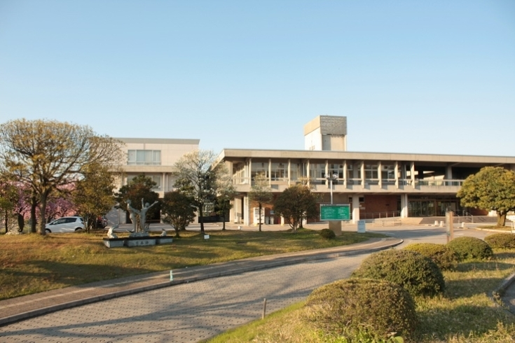 県立 図書館 富山