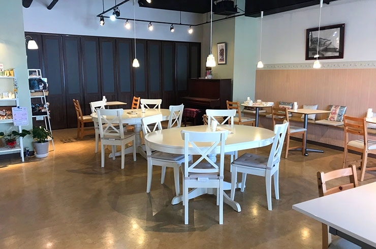 Living Cafe Senza (リビングカフェセンツァ)