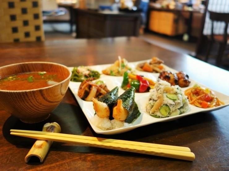 味噌料理自然食ビュッフェ伝